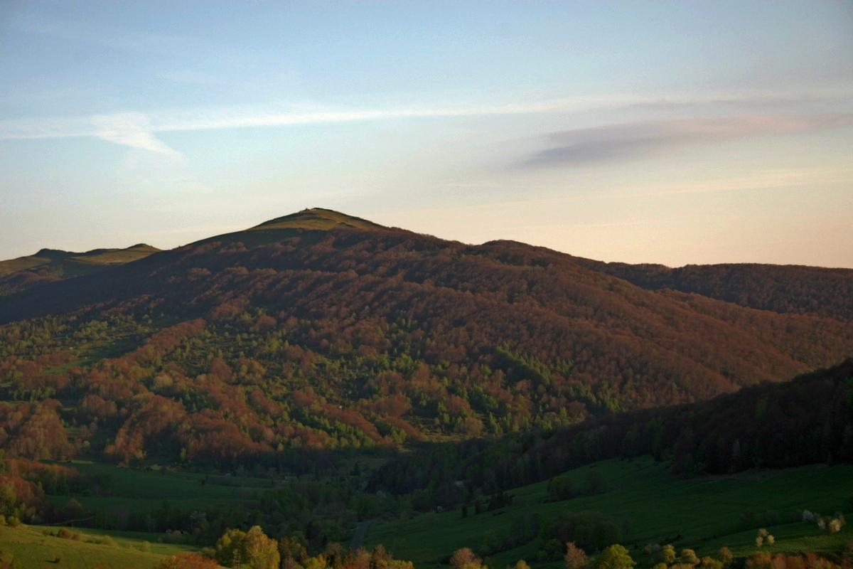 Bieszczady w obiektywie: Góry o poranku - Zdjęcie główne