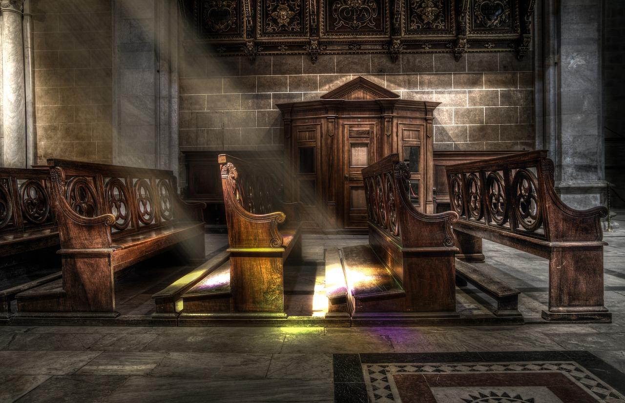Zdanie Odrębne: Kościół i polityka - Zdjęcie główne