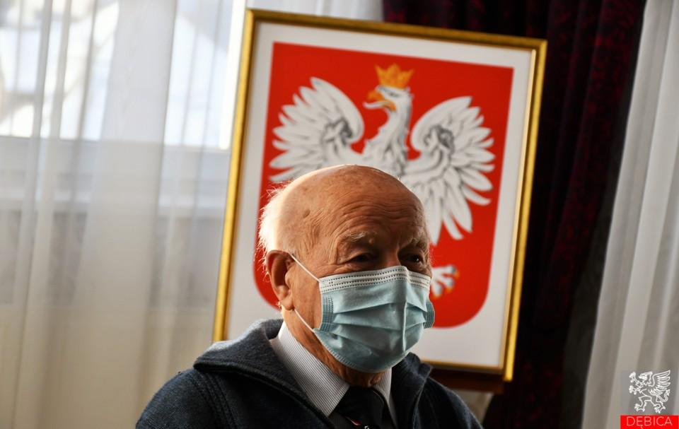 Podkarpacie. Kpt. AK ukończył 95 lat. Przyjął go burmistrz - Zdjęcie główne