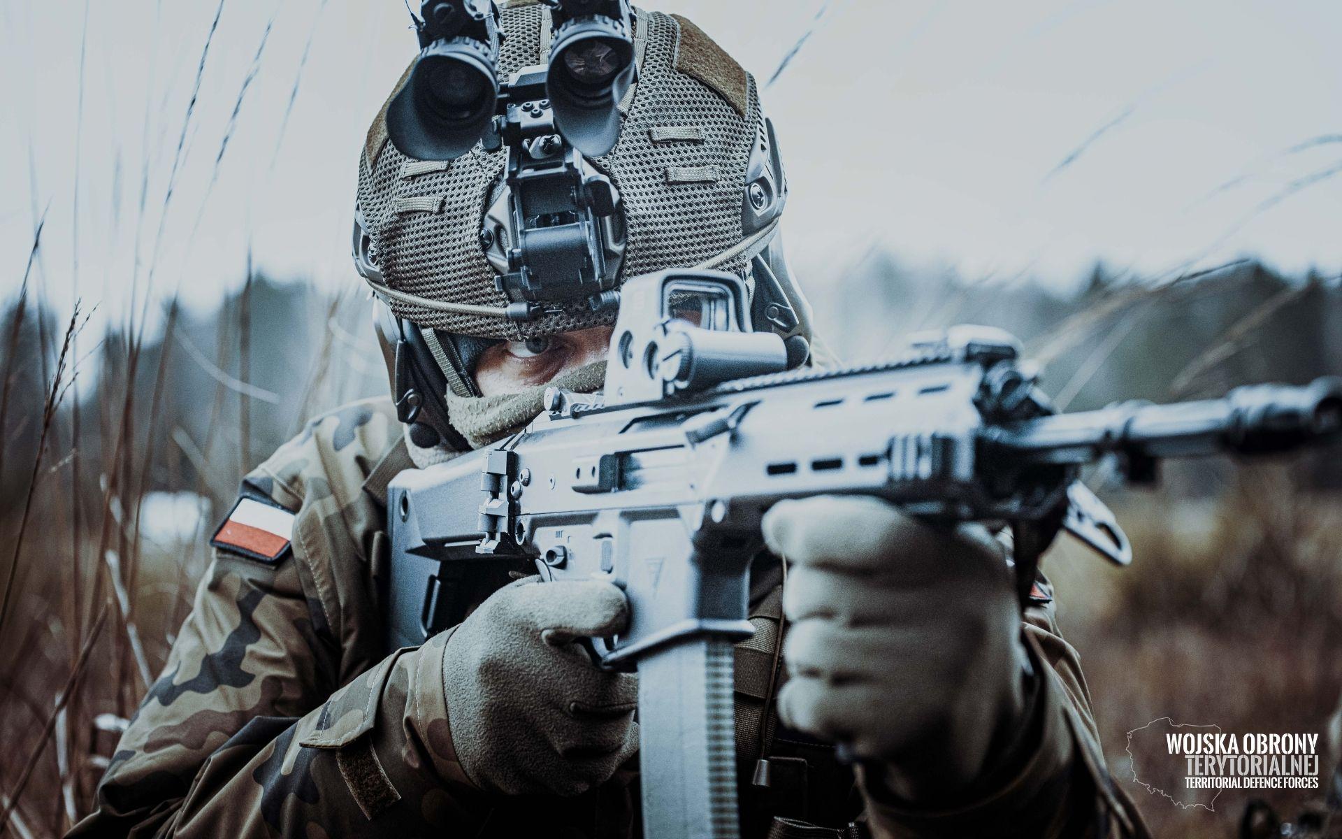 Żołnierze z Podkarpacia otrzymali pierwszą transzę najnowszych hełmów HP-05 - Zdjęcie główne