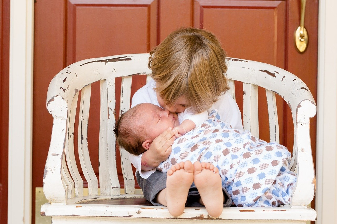 WHO: Dzieci nie są poważnym wektorem przenoszenia koronawirusa - Zdjęcie główne