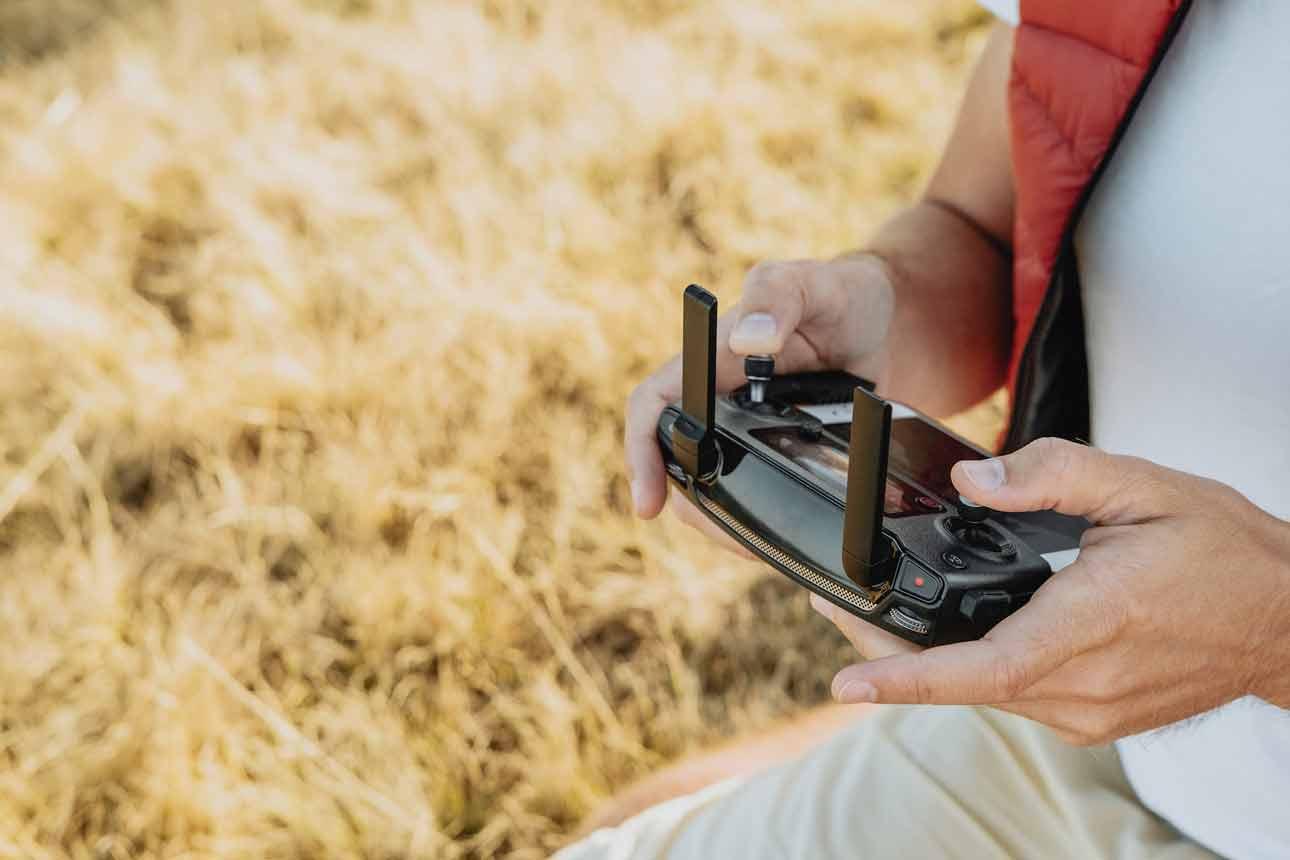 Nauka latania dronem - jak się do tego przygotować? - Zdjęcie główne