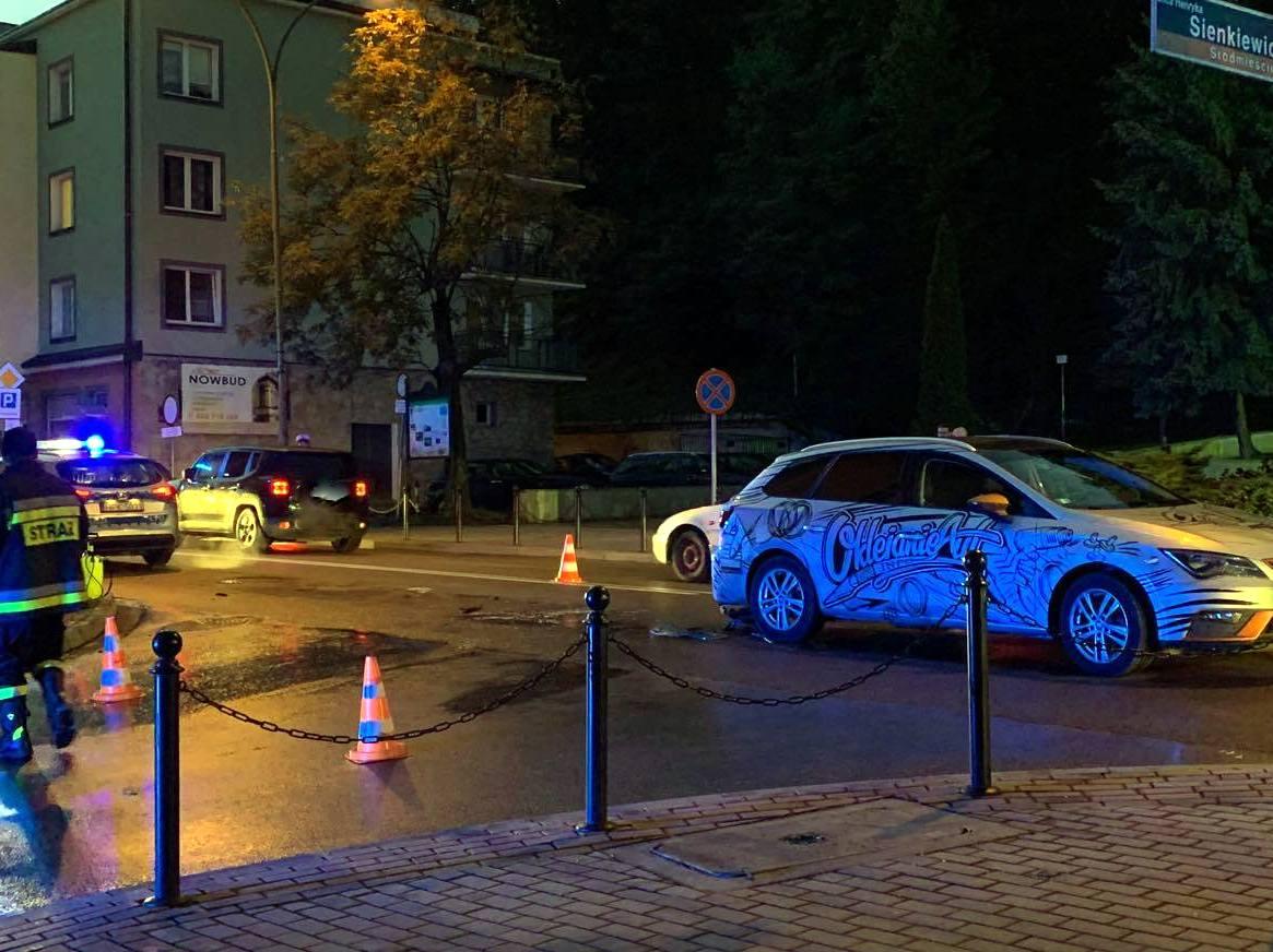 Z OSTATNIEJ CHWILI: Zderzenie 3 pojazdów. Kolizja na ul Kościuszki [ZDJĘCIA+VIDEO] - Zdjęcie główne