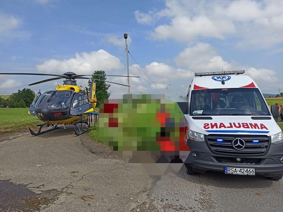 2-letnie dziecko wypadło z okna w Bukowsku [FOTO] - Zdjęcie główne