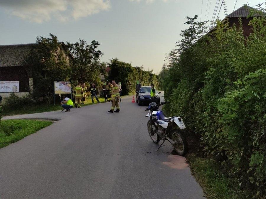 Młody motocyklista zderzył się z samochodem osobowym - Zdjęcie główne