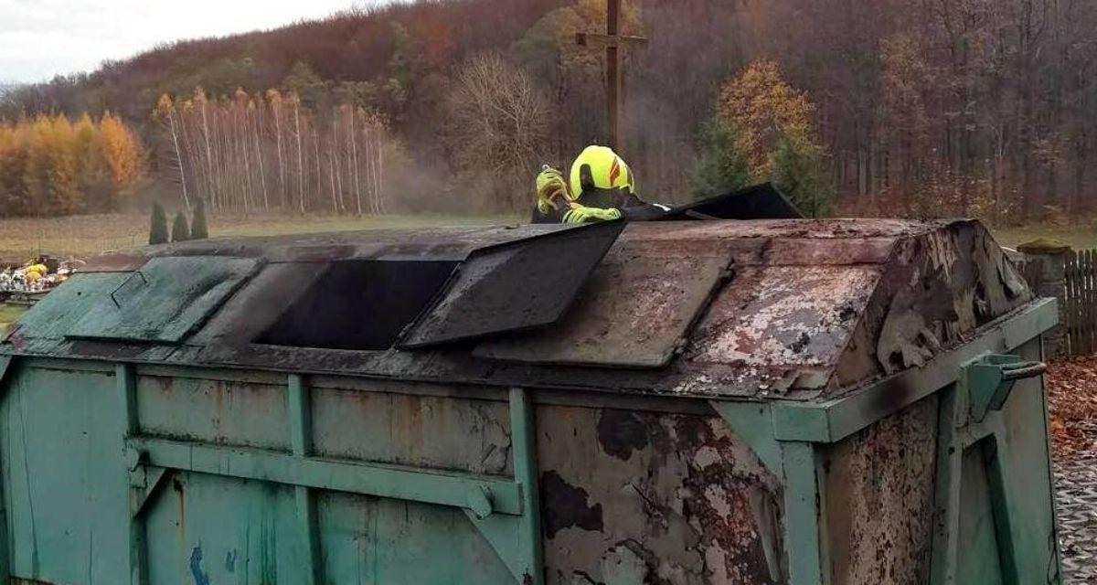 Pożar kontenera na śmieci w Mymoniu [FOTO] - Zdjęcie główne