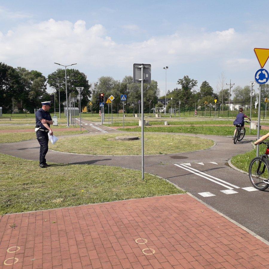 JAĆMIERZ: Uczniowie przystąpili do egzaminu praktycznego na kartę rowerową - Zdjęcie główne