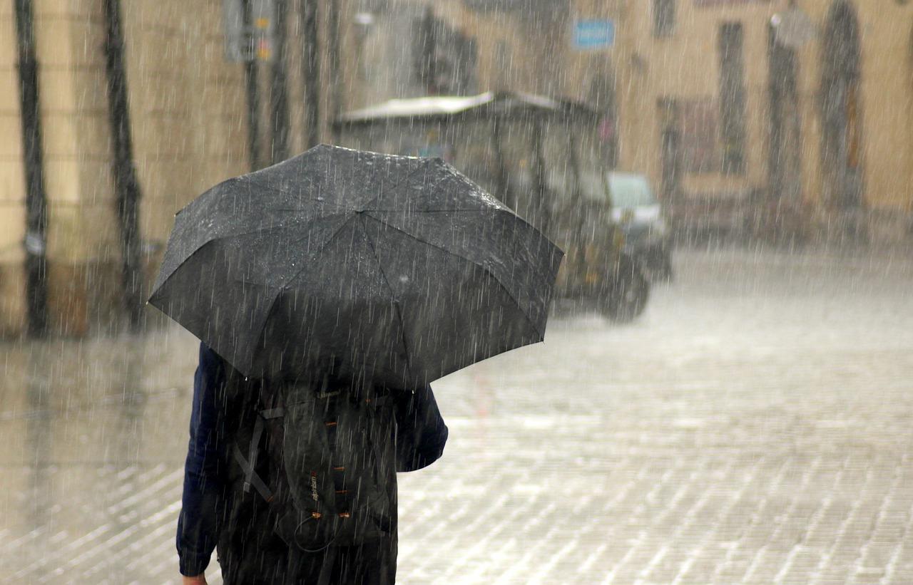 UWAGA! Dzisiaj możliwe burze i silny deszcz - Zdjęcie główne