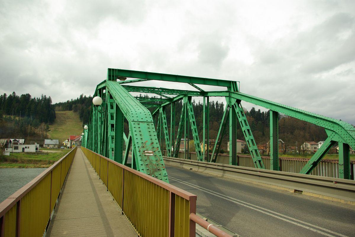 BIESZCZADY: Odnowa i budowa mostów - Zdjęcie główne