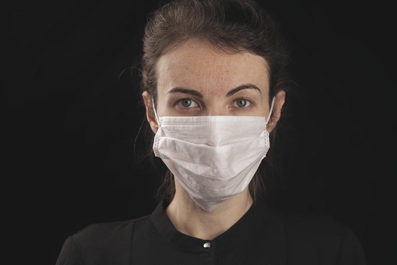 Od dzisiaj możesz zakryć usta i nos wyłącznie maseczką!  - Zdjęcie główne