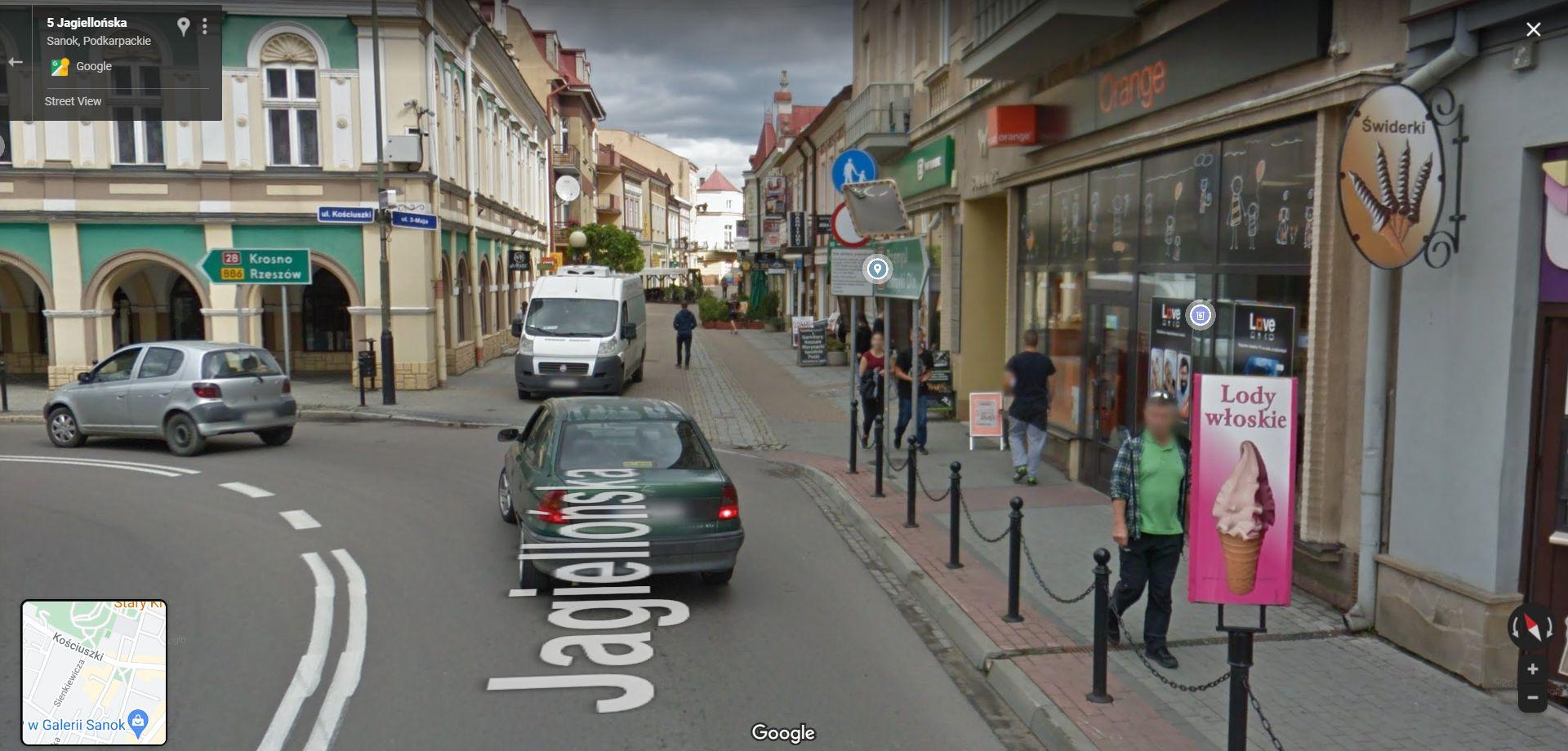 """Kamera Google Street View w naszym województwie. Zobacz """"przyłapanych"""" na zdjęciach z Sanoka - Zdjęcie główne"""