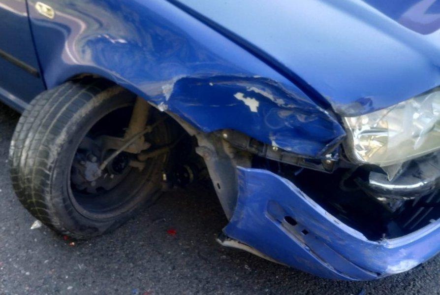 21-latek nie dostosował prędkości do warunków panujących na drodze [ZDJĘCIA] - Zdjęcie główne