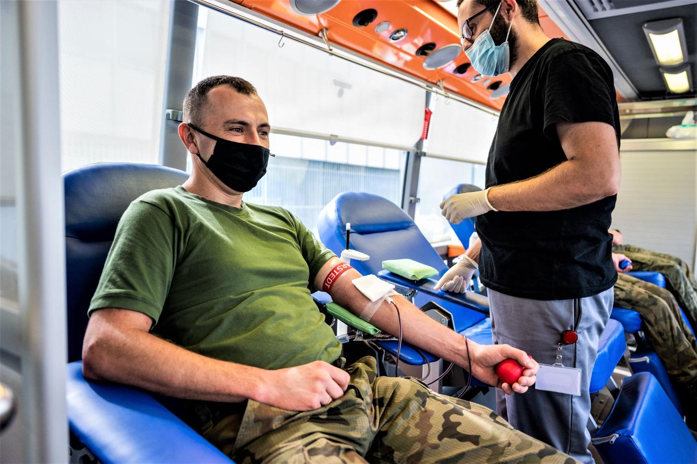Żołnierze z Podkarpacia podarowali krew dla potrzebujących  - Zdjęcie główne