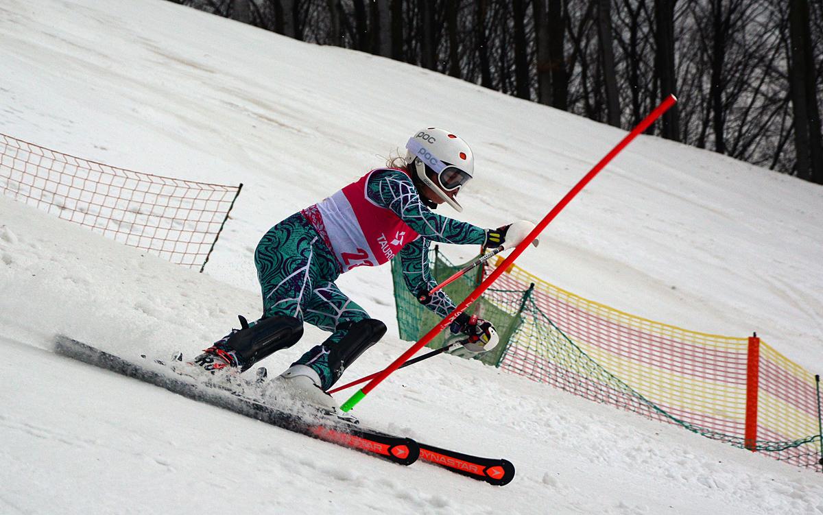 """Finał International Junior Alpine Skiing Cup """"Karpatia OPEN"""" w Ustrzykach Dolnych - Zdjęcie główne"""