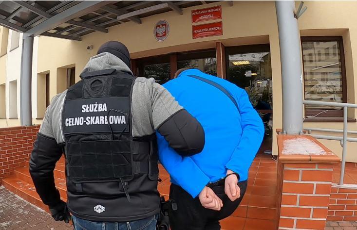 Podkarpacka KAS rozbiła grupę przestępczą zajmującą się nielegalnym hazardem [ZDJĘCIA+WIDEO] - Zdjęcie główne