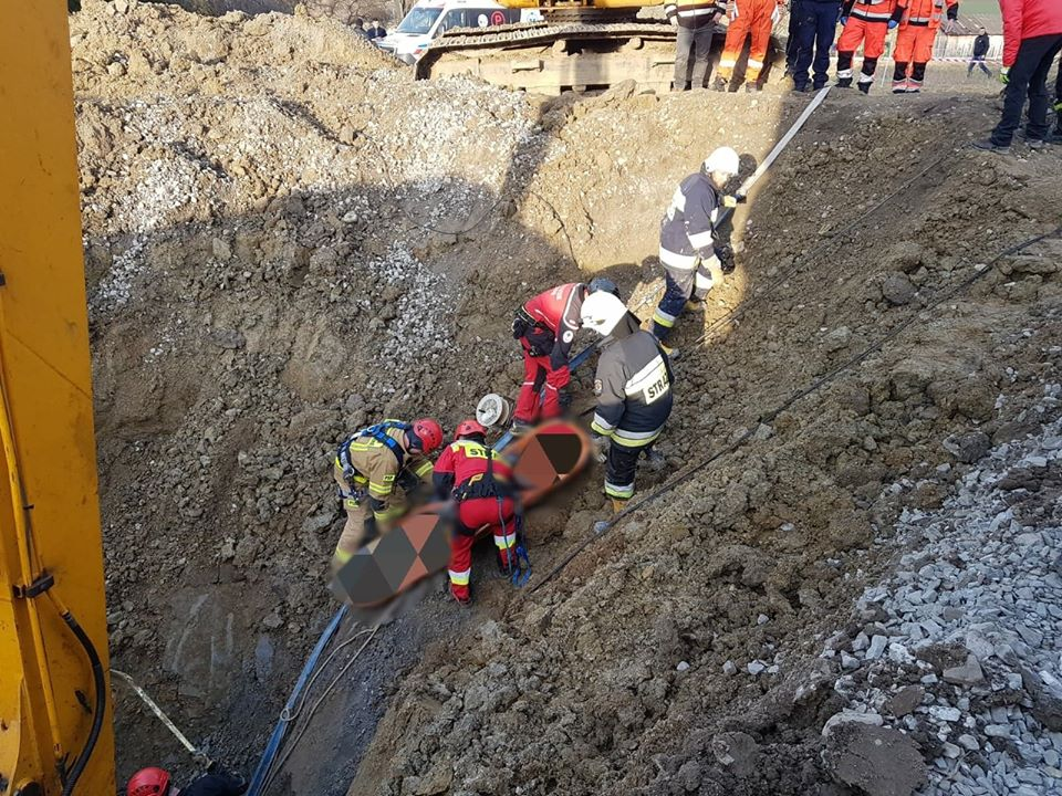 Tragiczny wypadek podczas kopania studni. Nie żyje 59-letni mężczyzna [ZDJĘCIA] - Zdjęcie główne