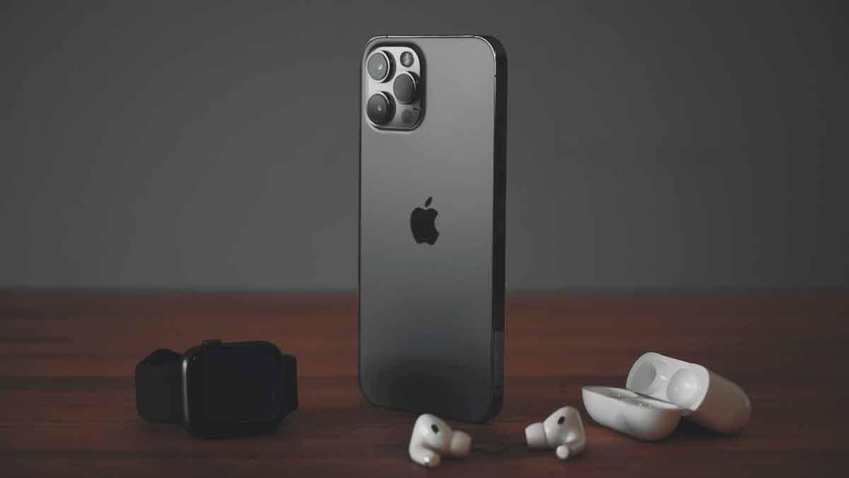 iPhone 12 Pro — telefon dla wymagających użytkowników - Zdjęcie główne