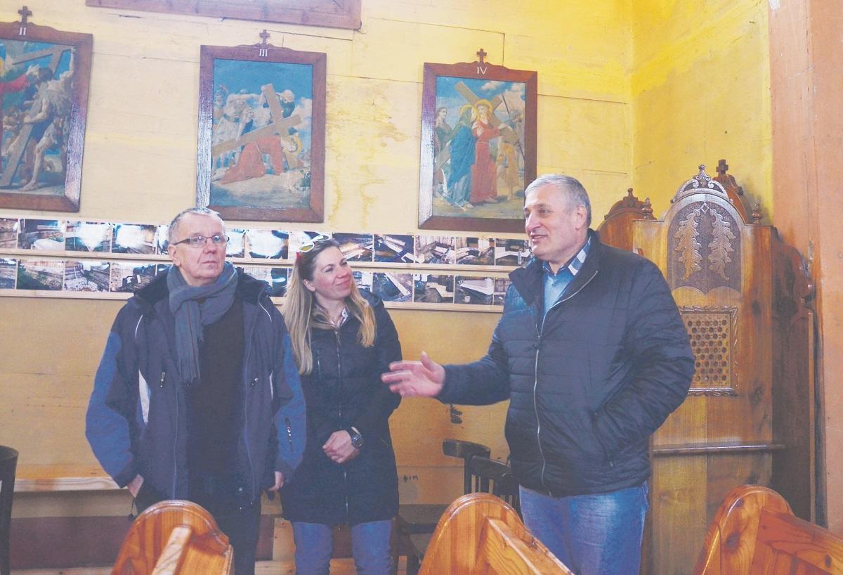 Mieszkańcy Stefkowej remontują  zabytkowy kościół FOTO - Zdjęcie główne