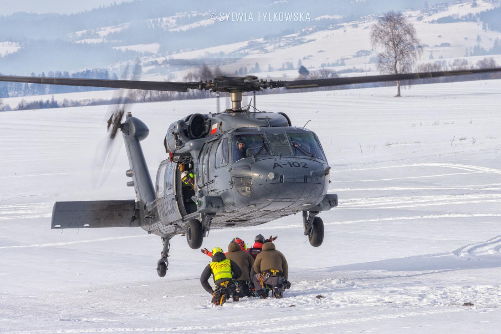 GOPR szkoli się na śmigłowcowu Sikorsky S-70 I Blackhawk [ZDJĘCIA+VIEDO] - Zdjęcie główne
