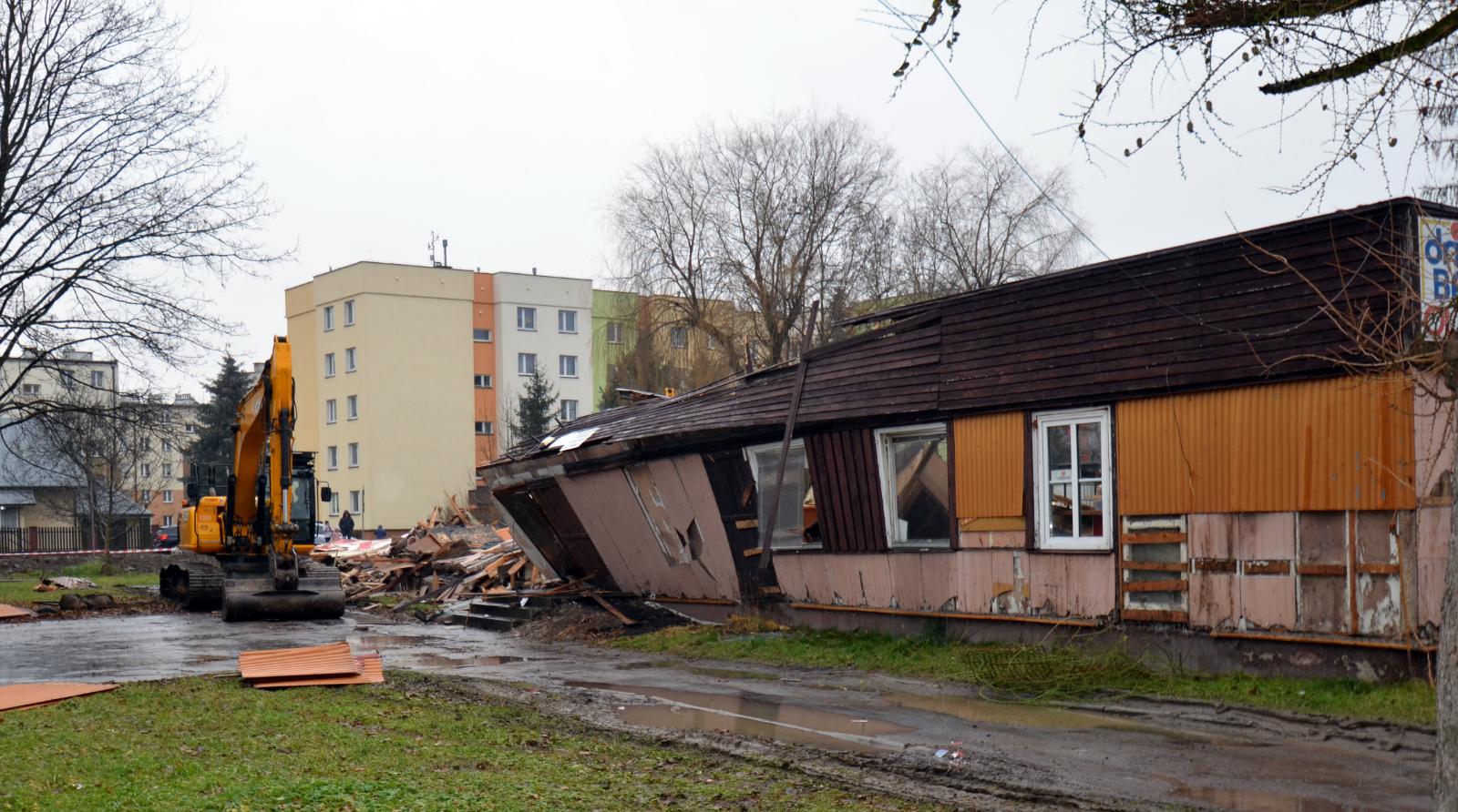 """Trwa rozbiórka """"Sanoczanki"""" czyli dawnego budynku przedszkola [FOTO+VIDEO] - Zdjęcie główne"""