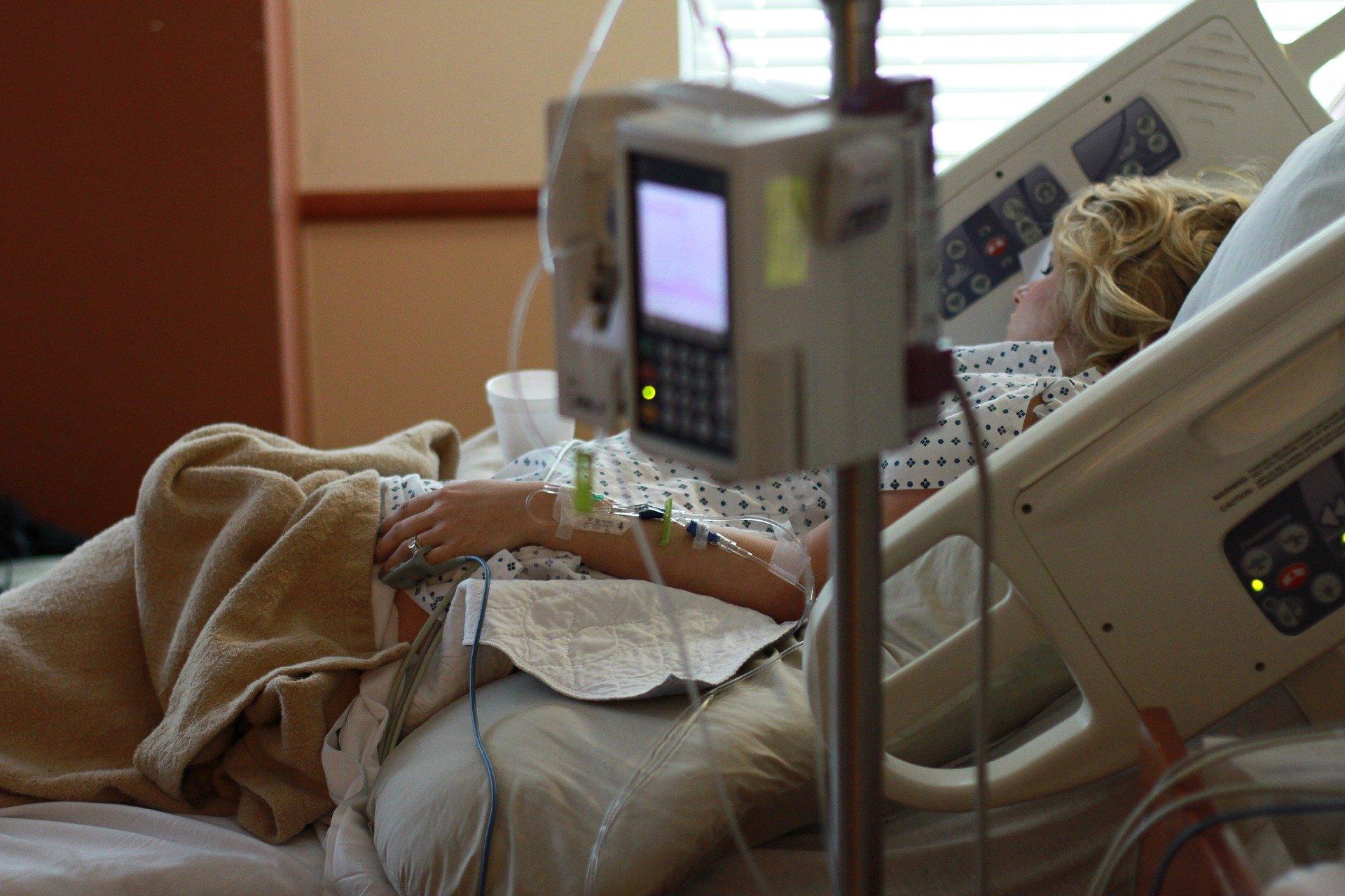 Chorzy na COVID-19 za późno zgłaszają się do lekarza - Zdjęcie główne