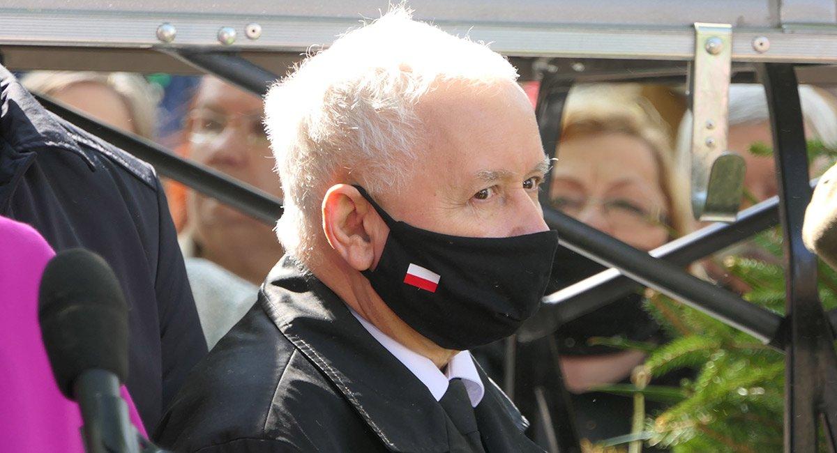 Jarosław Kaczyński obiecał posłom podwyżki - Zdjęcie główne