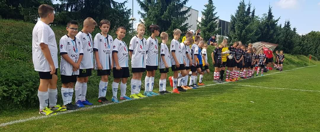 Młodzież Akademii Piłkarskiej Wiki po ligowym weekendzie [FOTO] - Zdjęcie główne