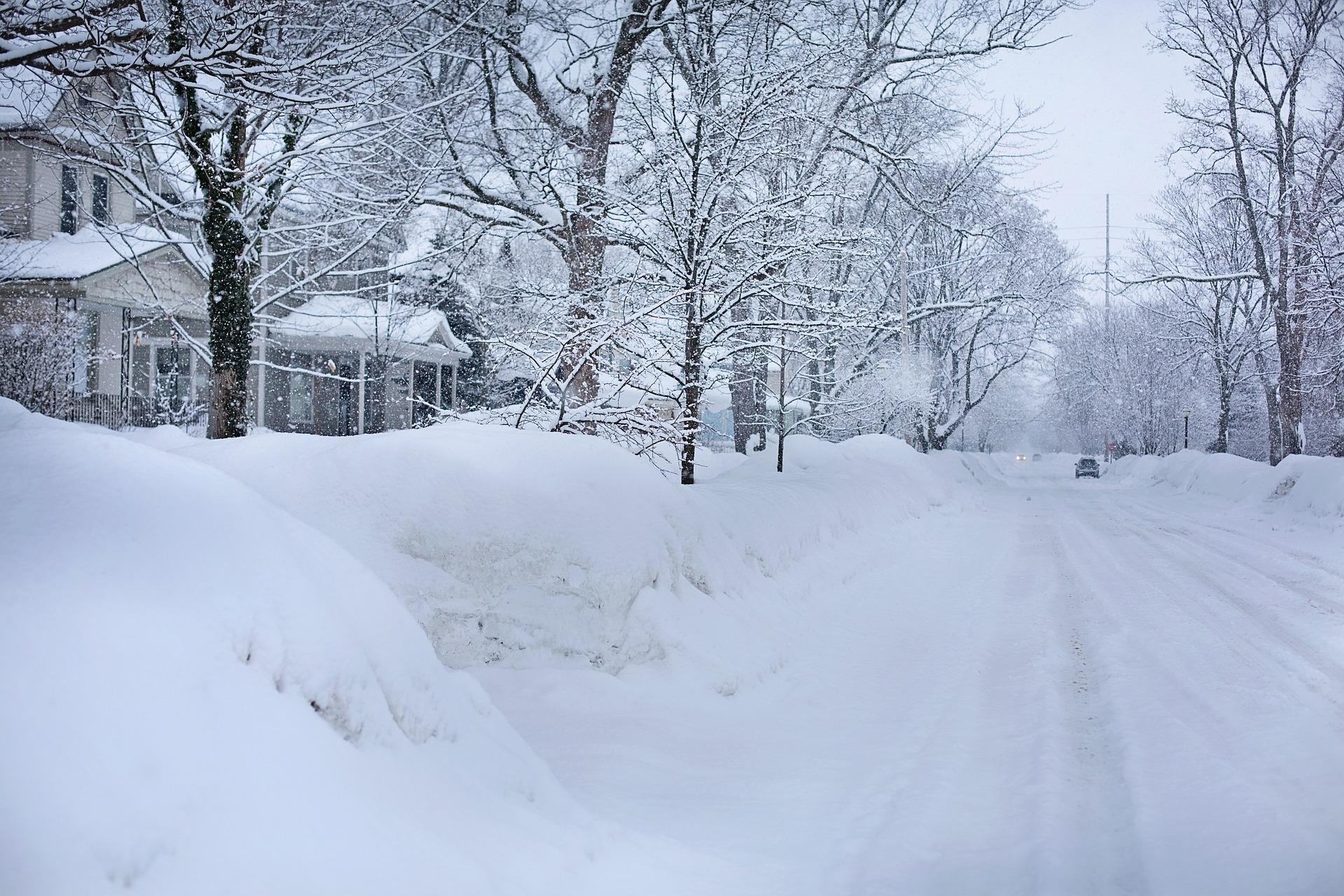 UWAGA! Intensywne opady śniegu! IMGW wydało ostrzeżenie - Zdjęcie główne