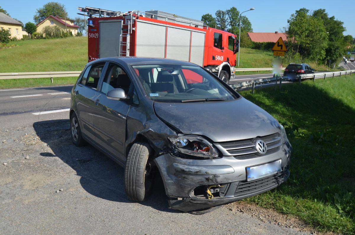 Potężny wypadek w Czerteżu [ZDJĘCIA] - Zdjęcie główne