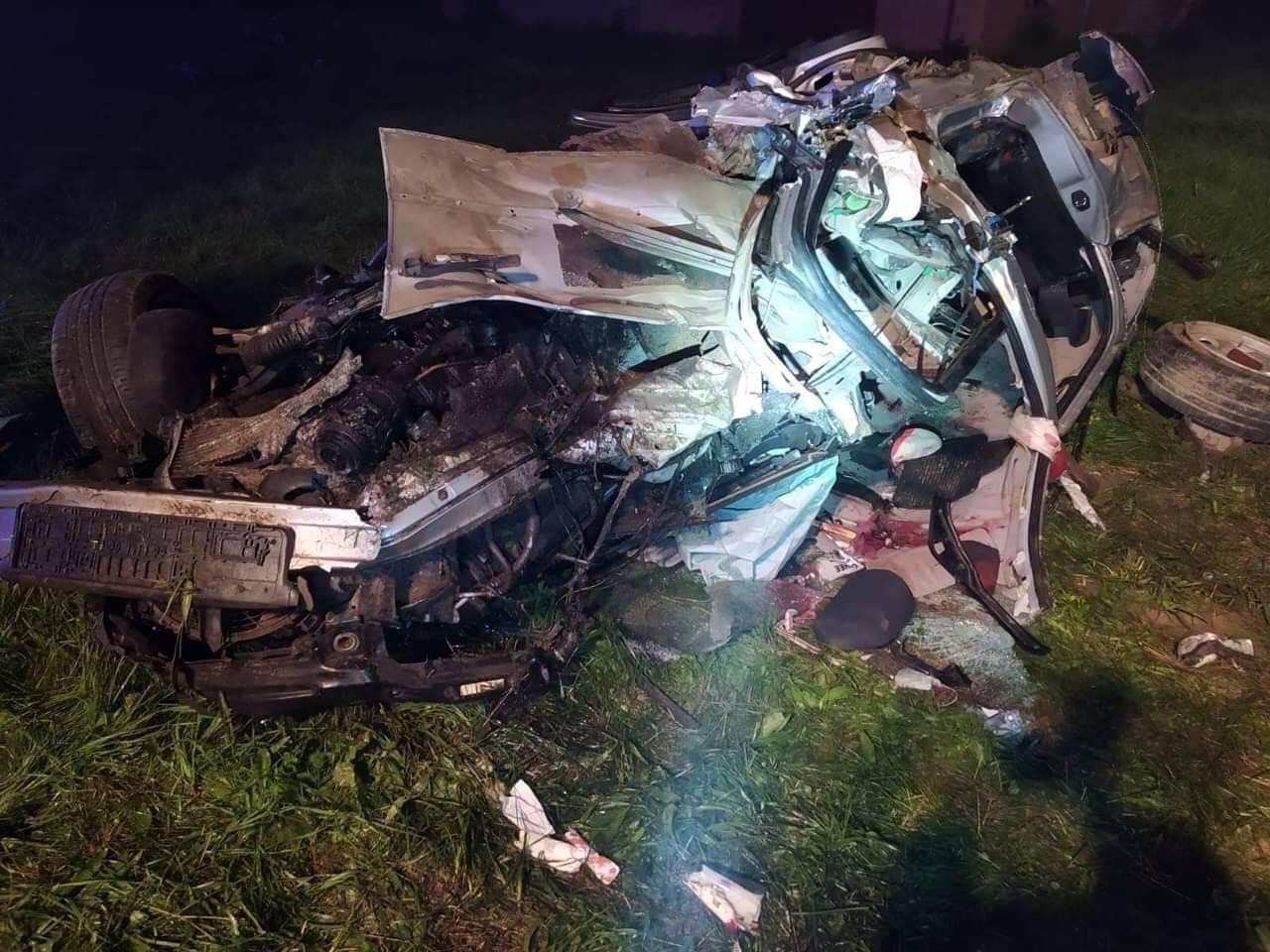 Tragiczny wypadek w Dydni. Nie żyje 19-latek [FOTO] - Zdjęcie główne