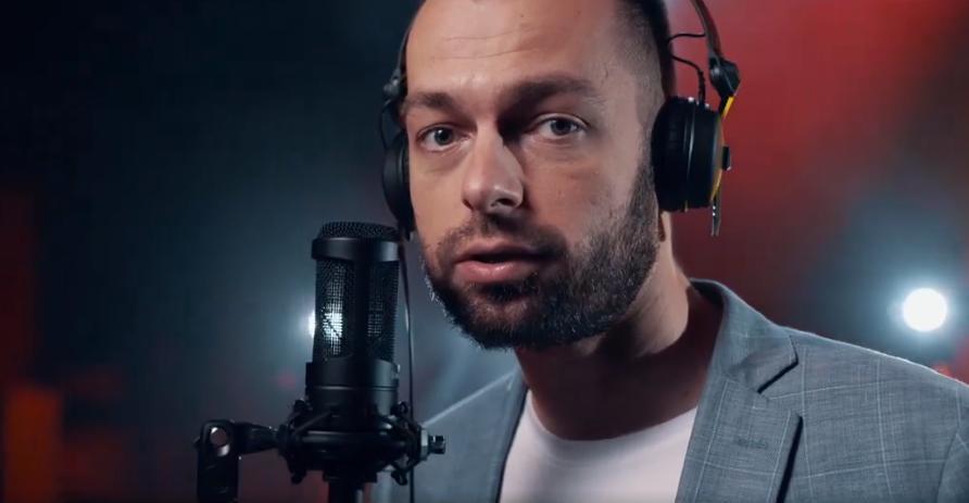 Burmistrz Ustrzyk Dolnych rapuje w hot16challenge2 [VIDEO] - Zdjęcie główne