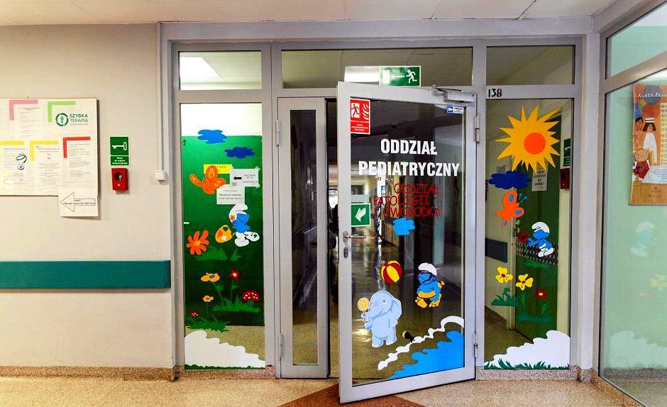 SYGNAŁY CZYTELNIKÓW: Co robią dorośli chorzy na Covid na oddziale dziecięcym w sanockim szpitalu? - Zdjęcie główne