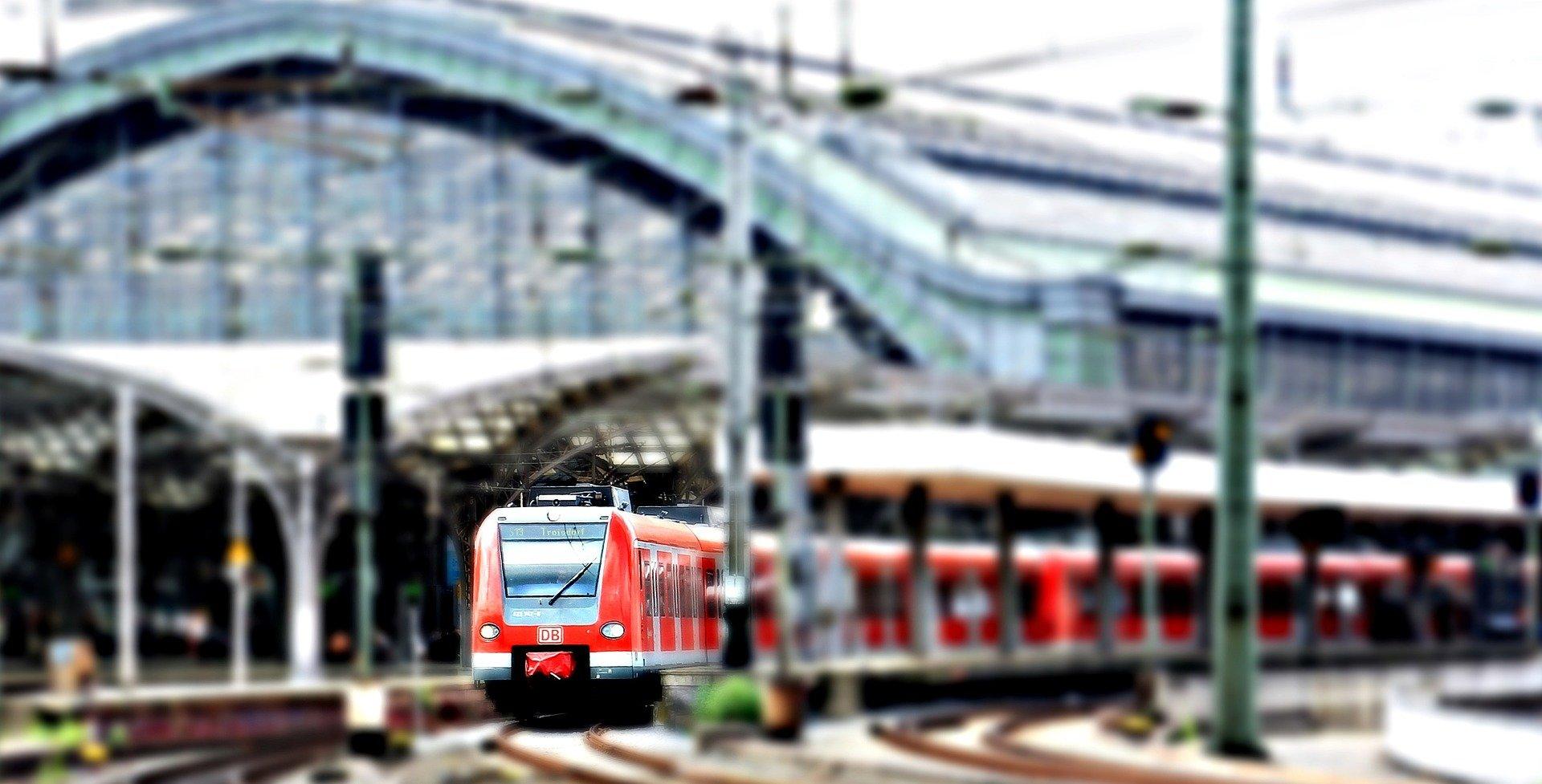 Koleją z Sanoka do Krakowa - Zdjęcie główne
