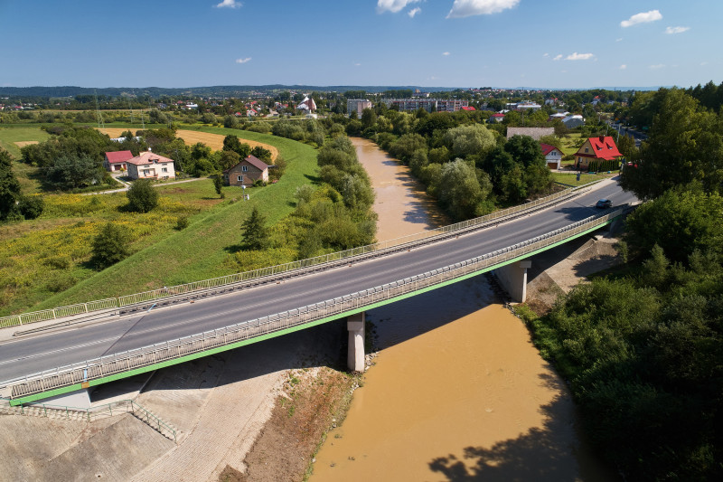 Podpisano umowę na budowę mostu przez potok Pielnica w Zarszynie - Zdjęcie główne