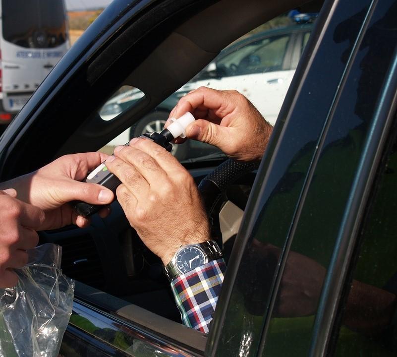 Kierowca pod wpływem alkoholu  - Zdjęcie główne