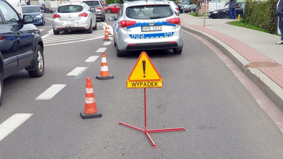 Z OSTATNIEJ CHWILI: Potrącenie pieszego na ul. Lwowskiej  w Sanoku [ZDJĘCIA] - Zdjęcie główne