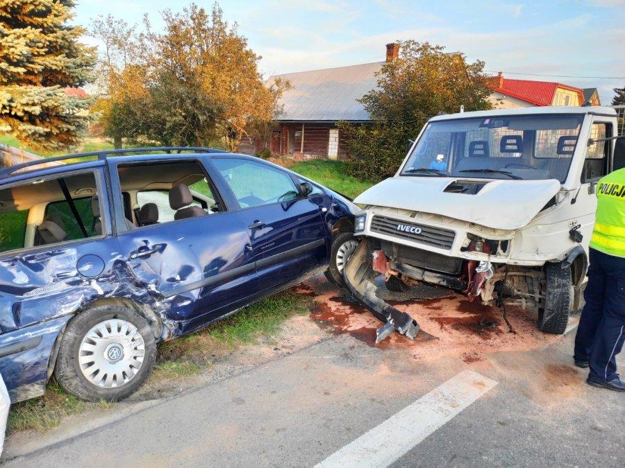 Groźna kolizja w Bliznem [FOTO] - Zdjęcie główne