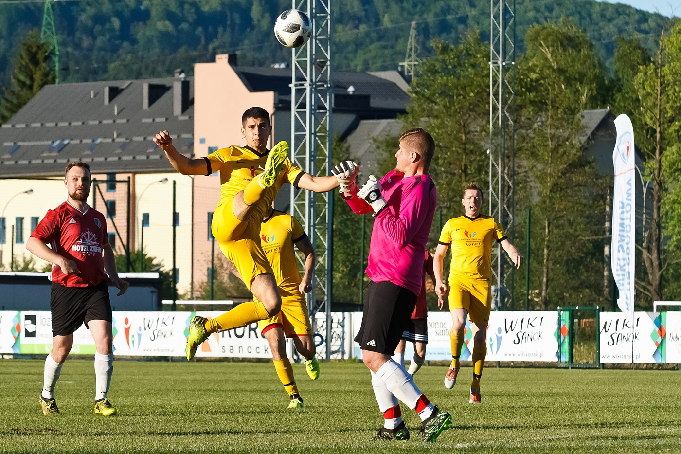 Piłka nożna: Wiki Sanok - Nelson Polańczyk [FOTORELACJA] - Zdjęcie główne