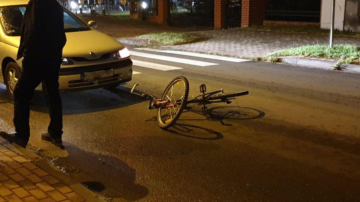 TERAZ! Potrącenie rowerzysty na Białogórskiej w Sanoku [FOTO] - Zdjęcie główne