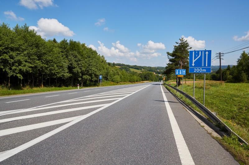Minister Infrastruktury skierował do realizacji 3 inwestycje drogowe na Podkarpaciu - Zdjęcie główne