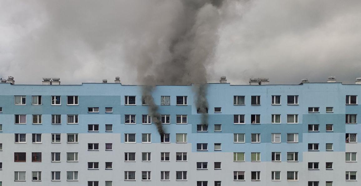 W potężnym pożarze stracili wszystko. Społecznicy proszą o pomoc w odbudowie mieszkania - Zdjęcie główne