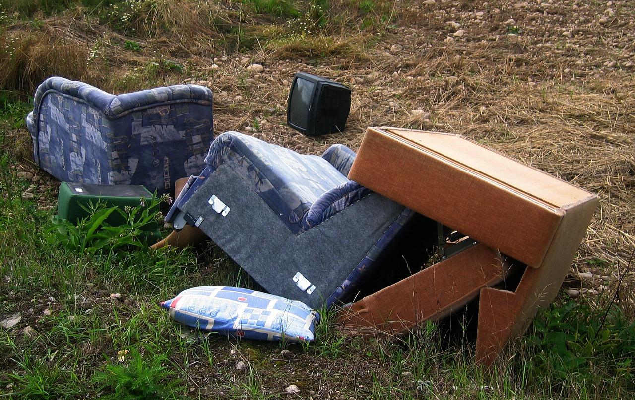 BRZOZÓW: Zbiórka odpadów wielkogabarytowych - Zdjęcie główne