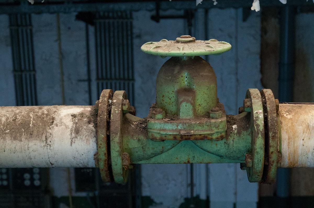 Z OSTATNIEJ CHWILI: Pęknięta rura z gazem w Średniej Wsi - Zdjęcie główne