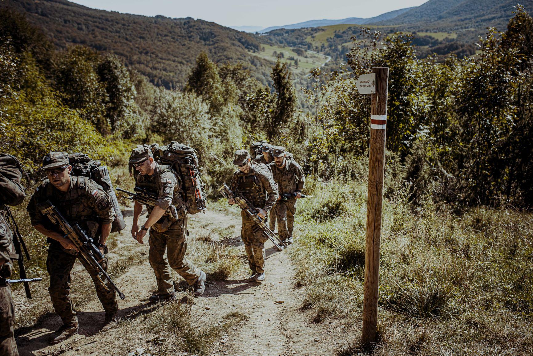 Weekend pełen wyzwań. Szkolenie rotacyjne żołnierzy [FOTO] - Zdjęcie główne