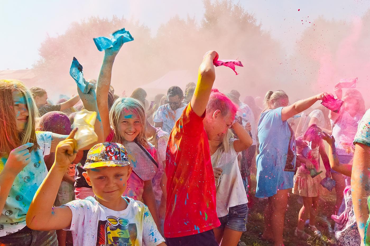 Kids Race, święto kolorów i pierwsza ślizgawka - taka była sobota na sanockim MOSiR [FOTORELACJA] - Zdjęcie główne