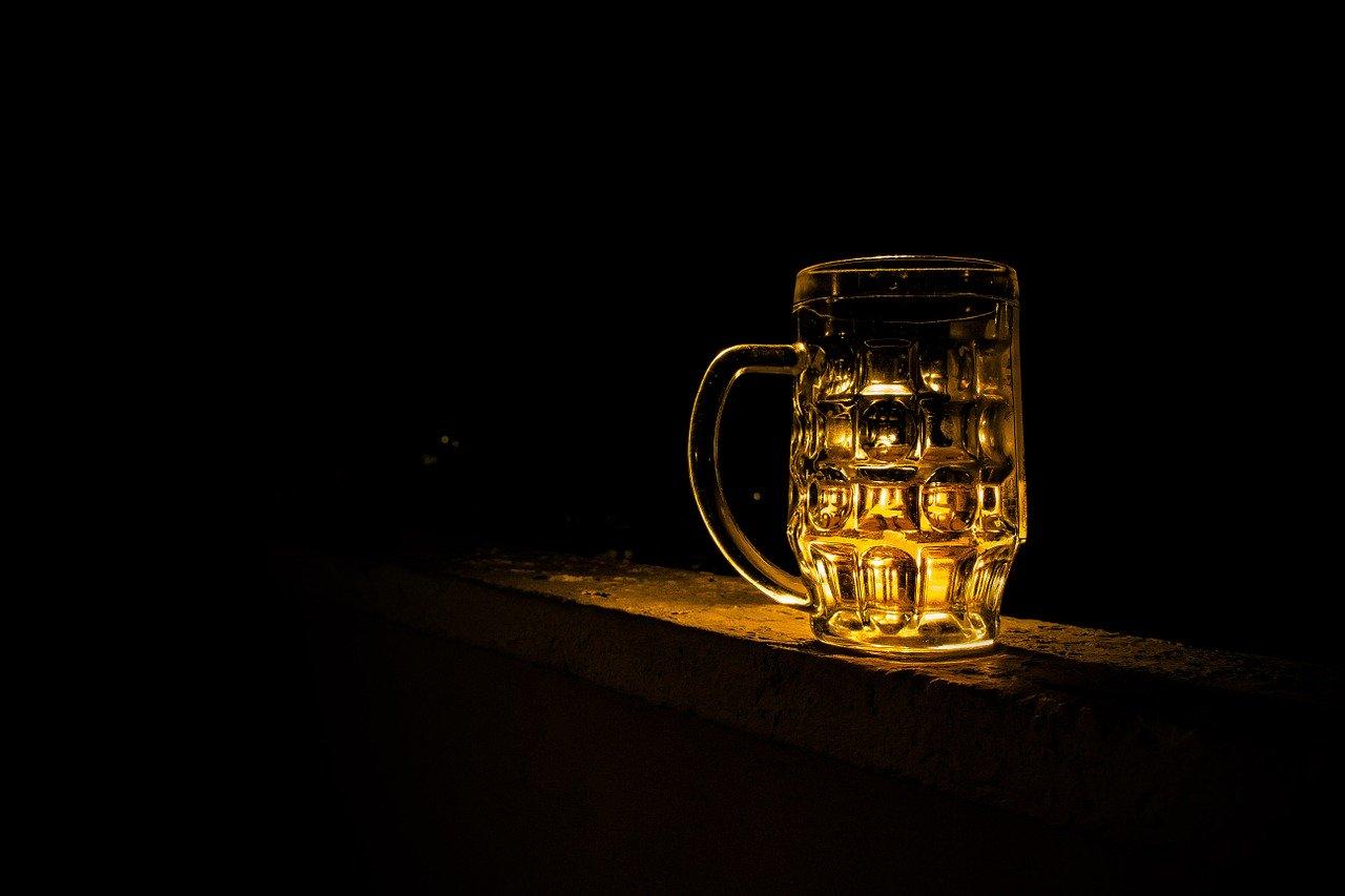 Z PODKARPACIA. Mężczyzna przez dwa dni leżał martwy w toalecie pijalni piwa - Zdjęcie główne