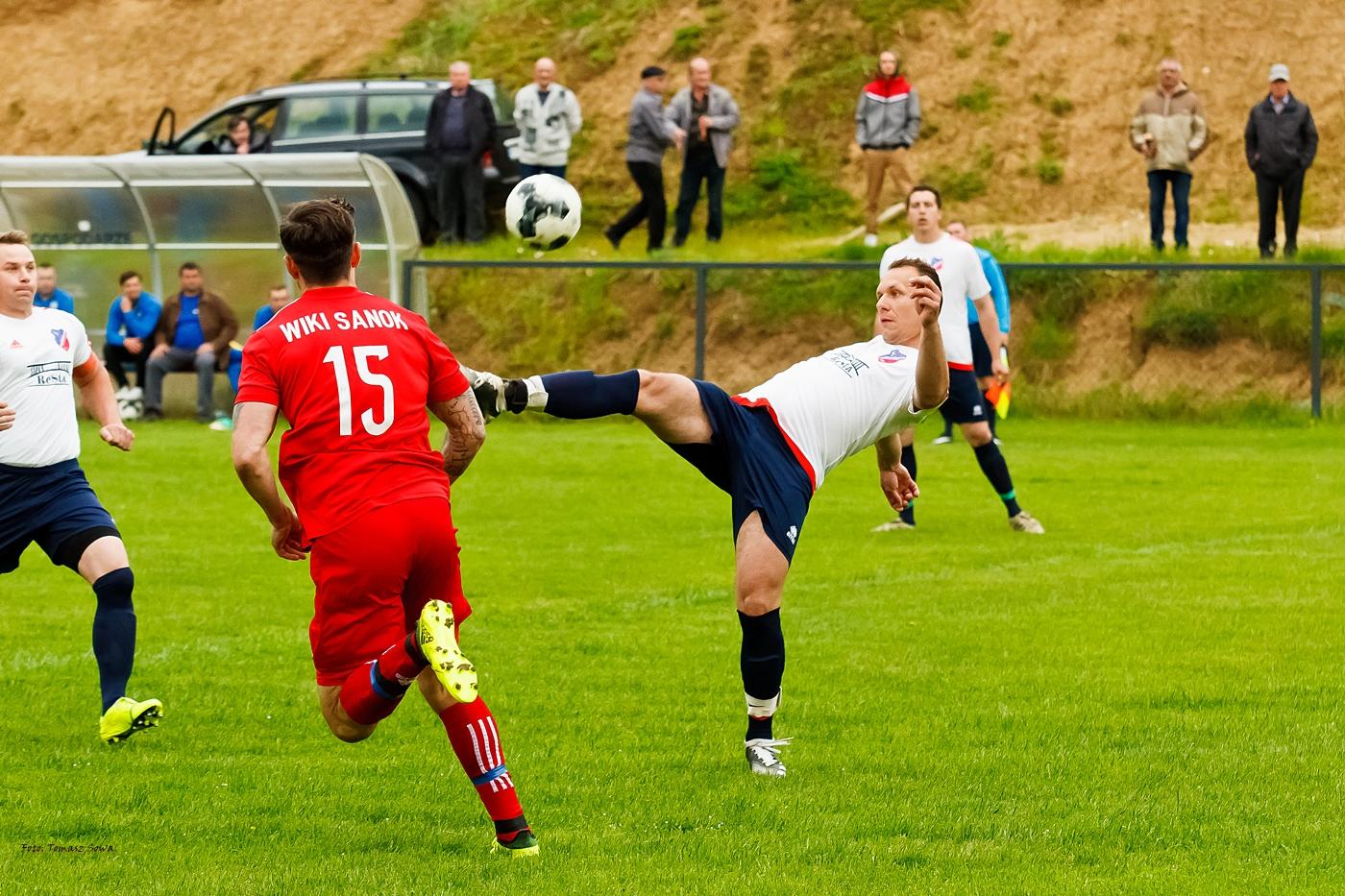 Mecz K.S. Wiki Sanok- Lotniarz Bezmiechowa 2021.05.16 [FOTORELACJA] - Zdjęcie główne