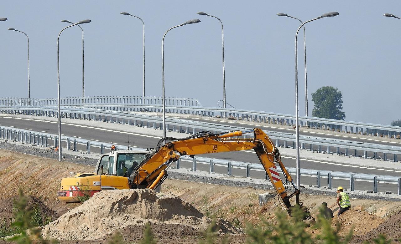 Korki na drogach! Remontują wiele odcinków dróg wojewódzkich [MAPA] - Zdjęcie główne