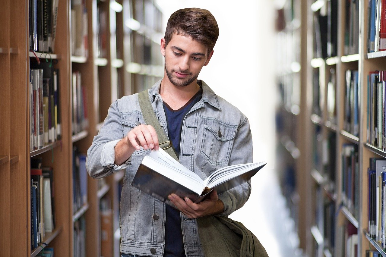 Stypendium dla studentów za kreatywność - Akcja społeczna #TylkoNaLegalu - Zdjęcie główne