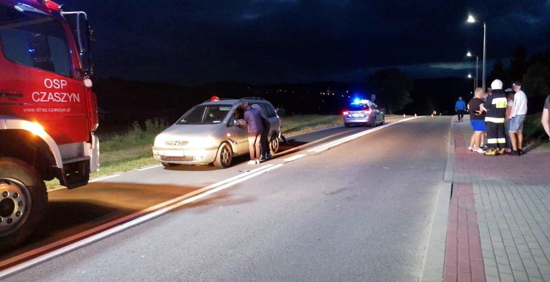 Czaszyn: Motocyklista najechał na tył samochodu [FOTO] - Zdjęcie główne